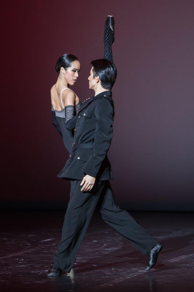Extrait de Patrice Chéreau (devenu danseur) règle la rencontre de Mishima et Eva Perón ©BBL_Gregory Batardon